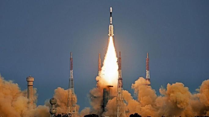 Ấn Độ mất liên lạc với vệ tinh quan trọng - Ảnh 1.