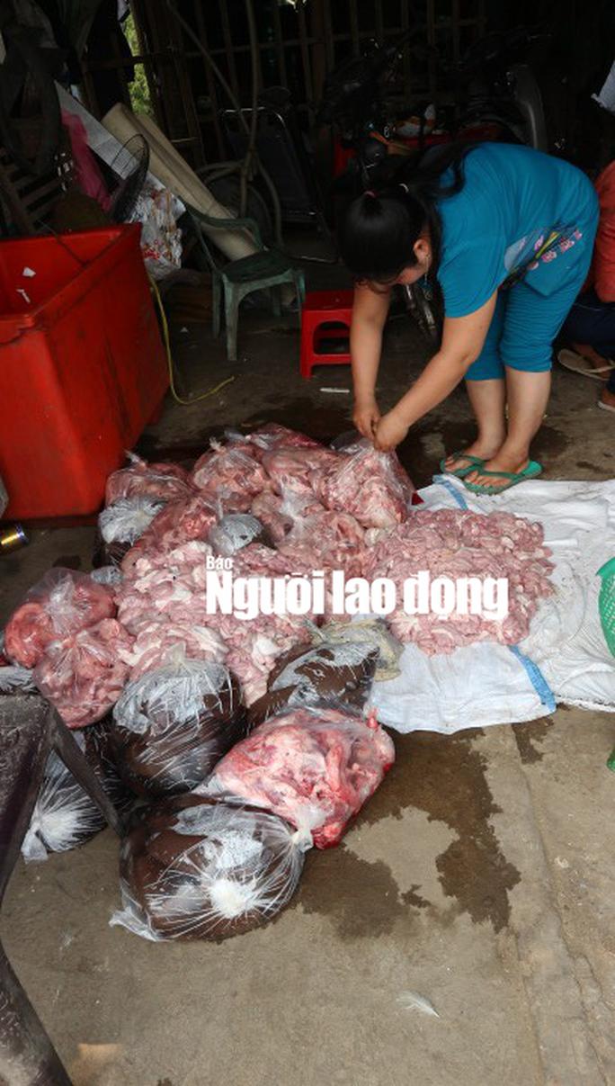 Phát hoảng với hơn 150 kg nội tạng heo và huyết bò hôi thối - Ảnh 1.