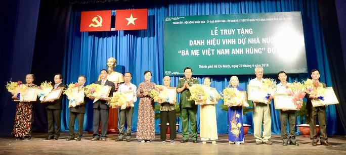 Tự hào được truy tặng danh hiệu Bà Mẹ Việt Nam Anh hùng - Ảnh 1.