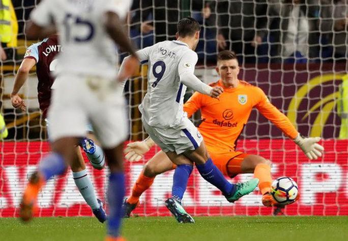 Siêu hậu vệ lập công, Chelsea mơ tranh Top 4 - Ảnh 3.
