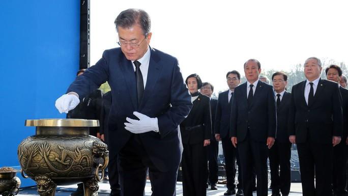 Ông Kim Jong-un bất ngờ xuống nước chưa từng thấy - Ảnh 1.