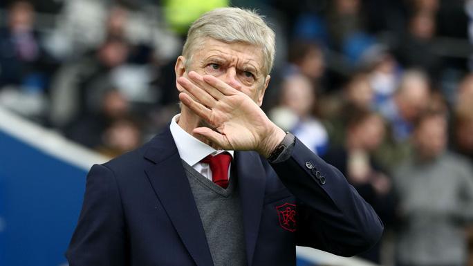 HLV Wenger bất ngờ tuyên bố rời Arsenal - Ảnh 1.
