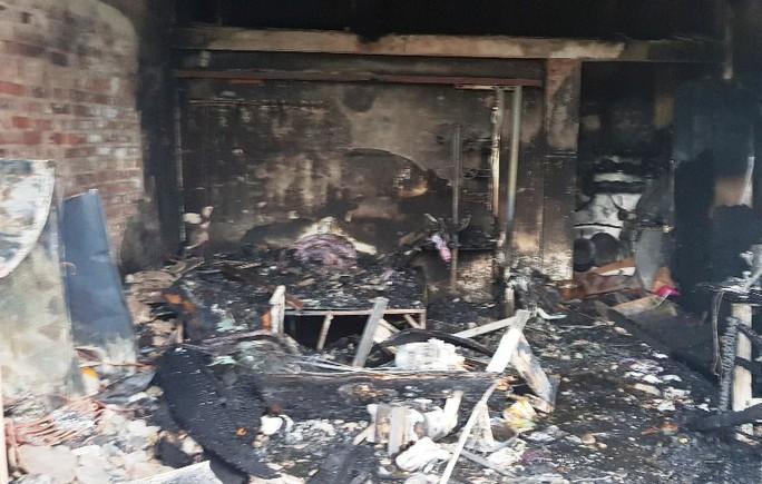 Cháy nhà trong đêm khuya, 3 mẹ con tử vong - Ảnh 2.