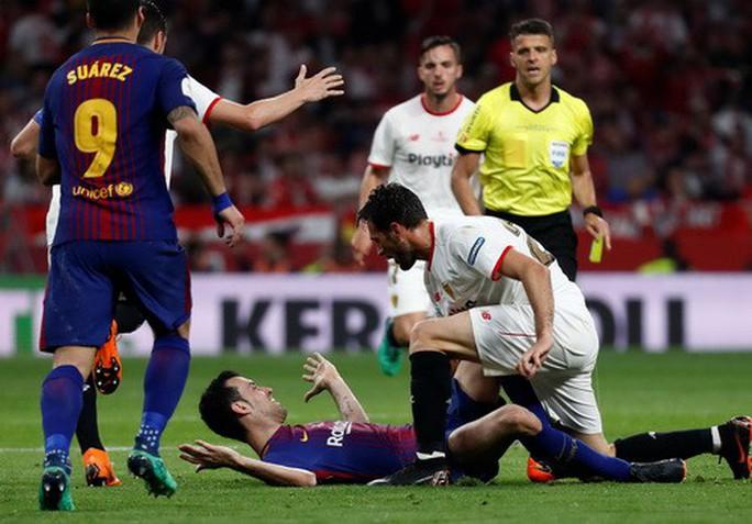 Đại thắng Sevilla 5-0, Barcelona đăng quang Cúp Nhà vua - Ảnh 2.