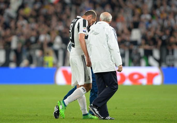 Cổ động viên Napoli bật khóc khi đội nhà hạ Juventus - Ảnh 13.