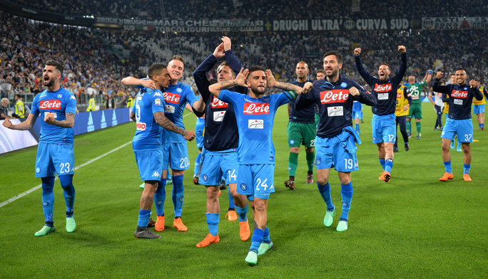 Cổ động viên Napoli bật khóc khi đội nhà hạ Juventus - Ảnh 5.