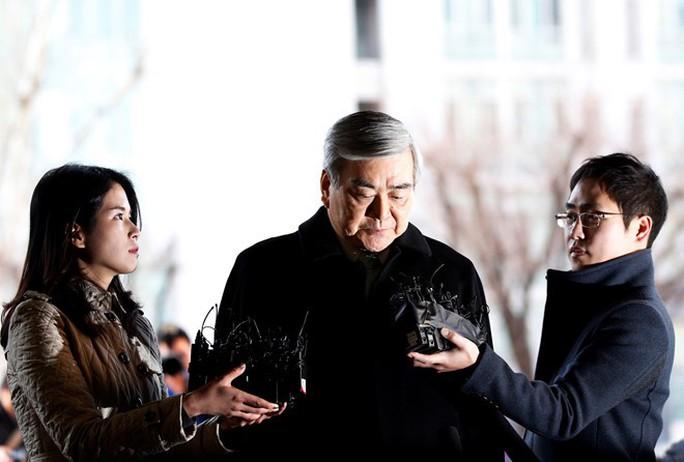 Chủ tịch Korean Air Lines tước mọi quyền hành của hai con gái - Ảnh 1.