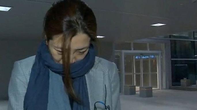 Chủ tịch Korean Air Lines tước mọi quyền hành của hai con gái - Ảnh 2.