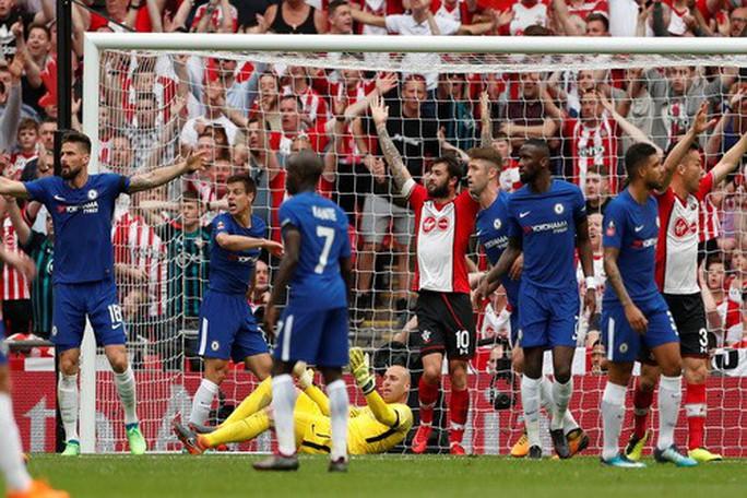 Chelsea hạ Southampton, Conte hẹn hò Mourinho ở chung kết FA Cup - Ảnh 5.