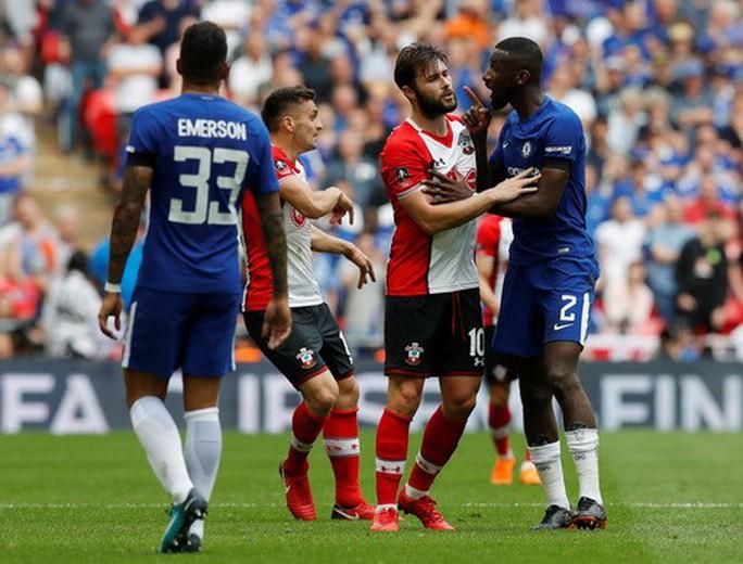 Chelsea hạ Southampton, Conte hẹn hò Mourinho ở chung kết FA Cup - Ảnh 3.