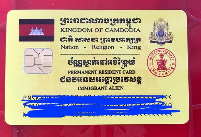 Trao hơn 100 thẻ vàng cho bà con người Campuchia gốc Việt - Ảnh 9.