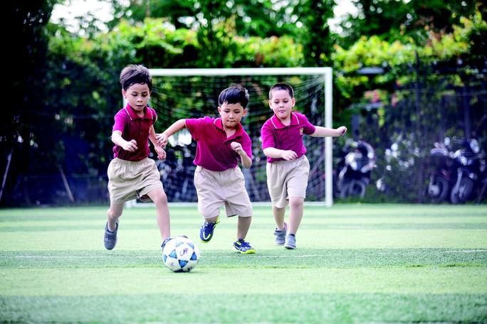 Học phí lớp 1 ở nhiều trường quốc tế hơn 150 triệu đồng/năm - Ảnh 1.