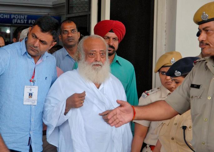 Giáo sĩ Ấn Độ lãnh án chung thân vì cưỡng hiếp thiếu nữ  - Ảnh 1.