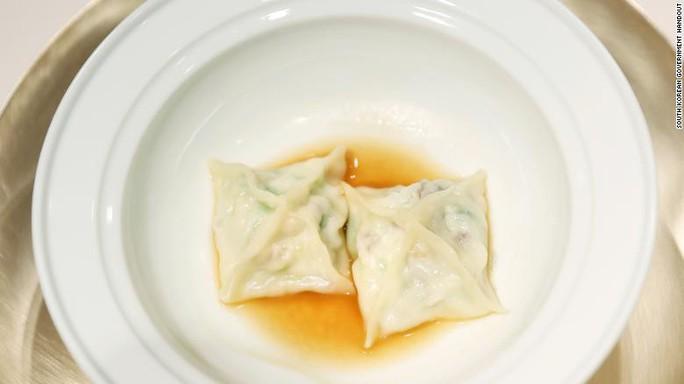 Triều Tiên đưa đầu bếp xịn tới thượng đỉnh liên Triều - Ảnh 4.
