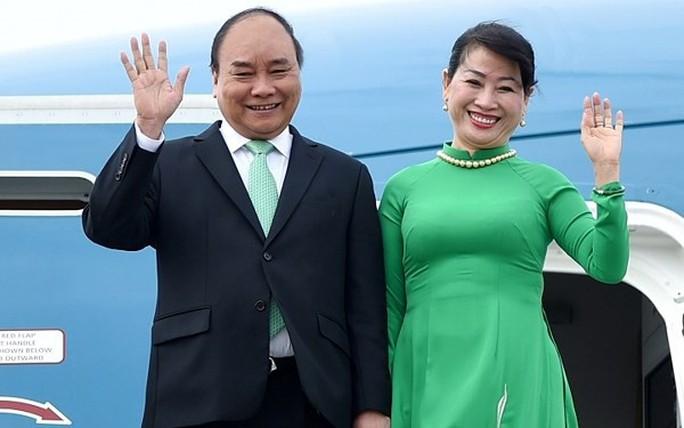 Rời Đền Hùng, Thủ tướng lên đường thăm Singapore - Ảnh 1.