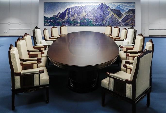 Ông Kim Jong-un sẽ đi bộ qua biên giới liên Triều - Ảnh 2.