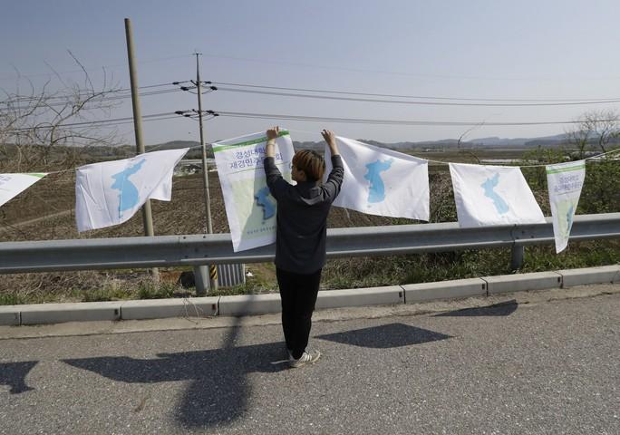 Ông Kim Jong-un sẽ đi bộ qua biên giới liên Triều - Ảnh 3.