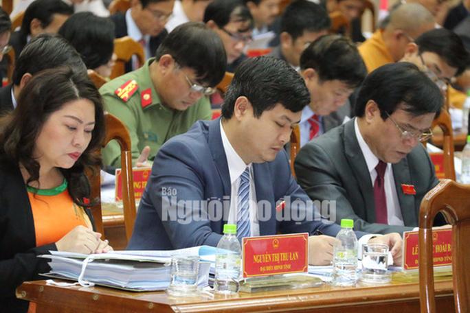 Ông Lê Phước Hoài Bảo vắng họp HĐND  do bị ốm - Ảnh 1.