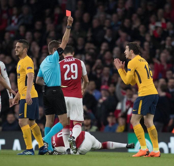 Arsenal hòa Atletico: Simeone tự hào, Wenger tiếc nuối - Ảnh 2.