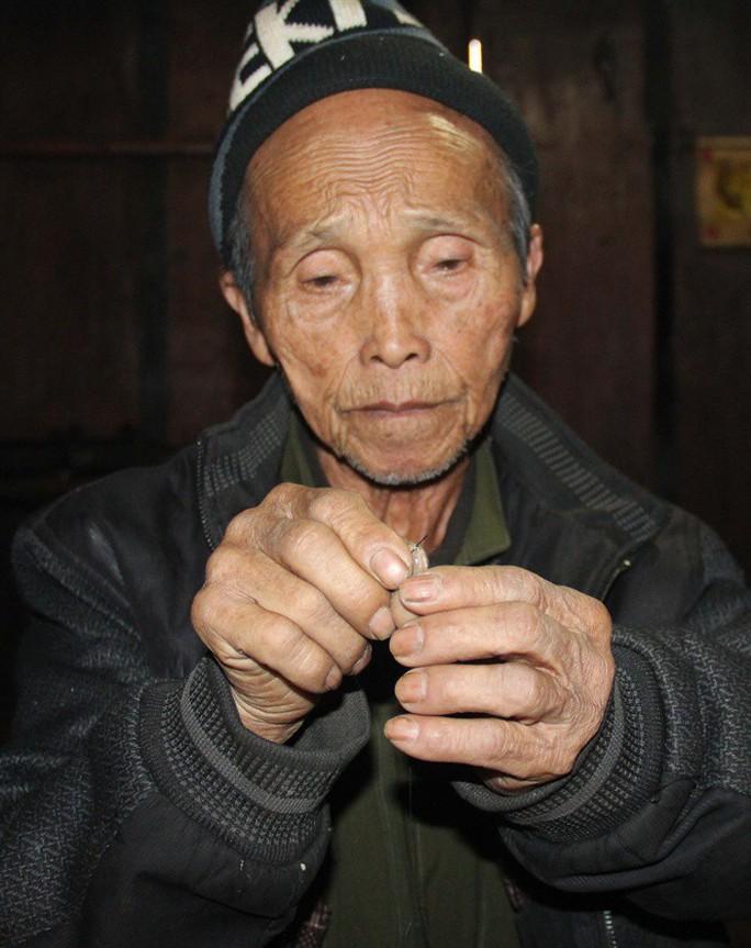 Cụ ông 99 tuổi vẫn vui vẻ bên vợ 3 nơi thâm sơn Nghệ An - Ảnh 5.