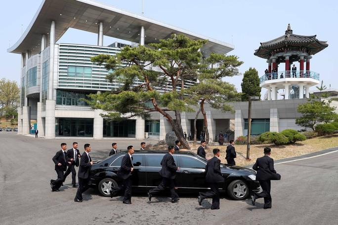 Ngắm dàn vệ sĩ tài năng của lãnh đạo Kim Jong-un - Ảnh 4.