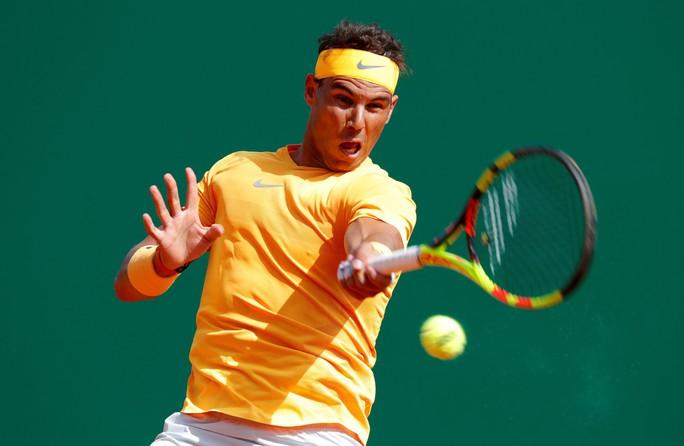 Rafael Nadal lập kỷ lục 400 trận thắng trên sân đất nện - Ảnh 4.