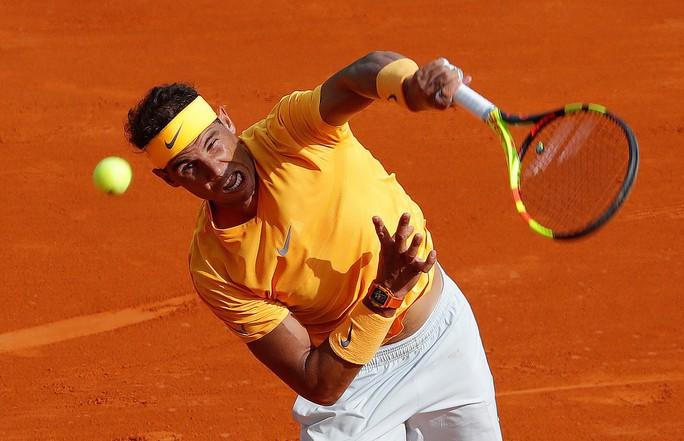 Rafael Nadal lập kỷ lục 400 trận thắng trên sân đất nện - Ảnh 3.