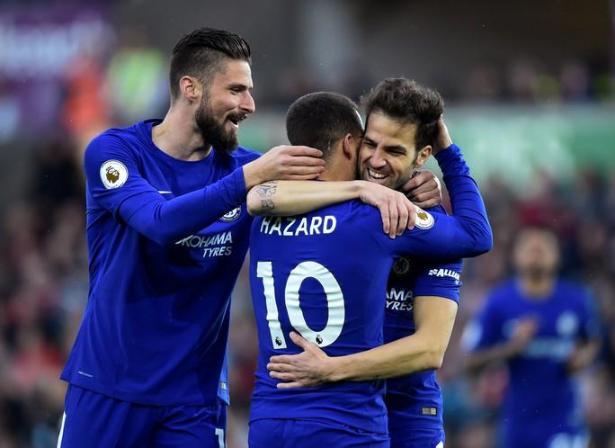 Thắng Swansea City, Chelsea ấp ủ hi vọng lọt tốp 4 cuối mùa - Ảnh 4.