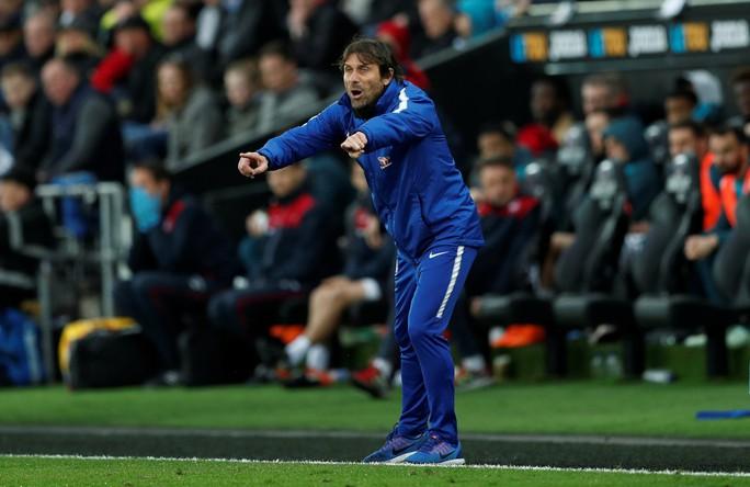Thắng Swansea City, Chelsea ấp ủ hi vọng lọt tốp 4 cuối mùa - Ảnh 1.