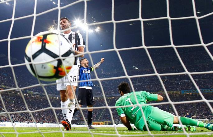 Juve hạ Inter trong trận cầu có 2 bàn đốt lưới nhà - Ảnh 1.