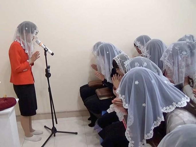 Bộ GD-ĐT cảnh báo về Hội Thánh Đức Chúa Trời Mẹ - Ảnh 1.