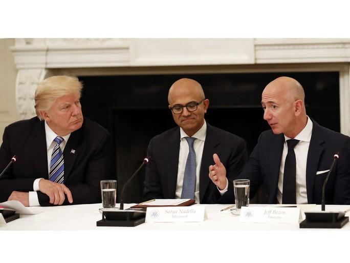 Vì sao ông Trump thích công kích Amazon? - Ảnh 1.