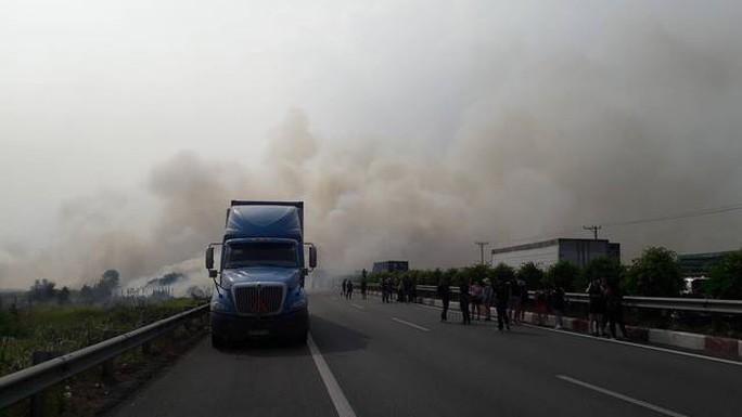 Tai nạn liên hoàn cao tốc Long Thành - Dầu Giây do đốt rác - Ảnh 7.