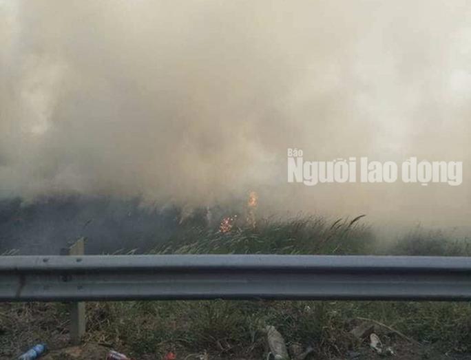 Tai nạn liên hoàn cao tốc Long Thành - Dầu Giây do đốt rác - Ảnh 4.