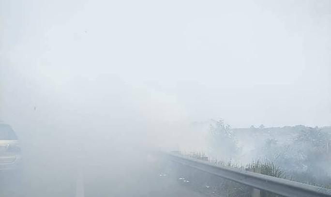 Tai nạn liên hoàn cao tốc Long Thành - Dầu Giây do đốt rác - Ảnh 6.