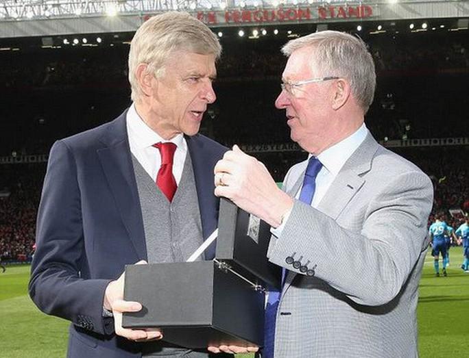 Vì sao Wenger được tri ân ở cuộc đối đầu cuối tại Old Trafford? - Ảnh 3.