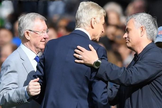 Vì sao Wenger được tri ân ở cuộc đối đầu cuối tại Old Trafford? - Ảnh 4.