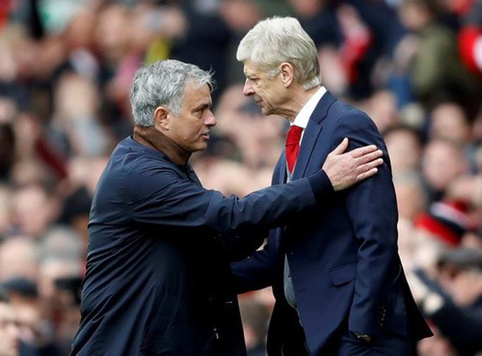 Vì sao Wenger được tri ân ở cuộc đối đầu cuối tại Old Trafford? - Ảnh 2.