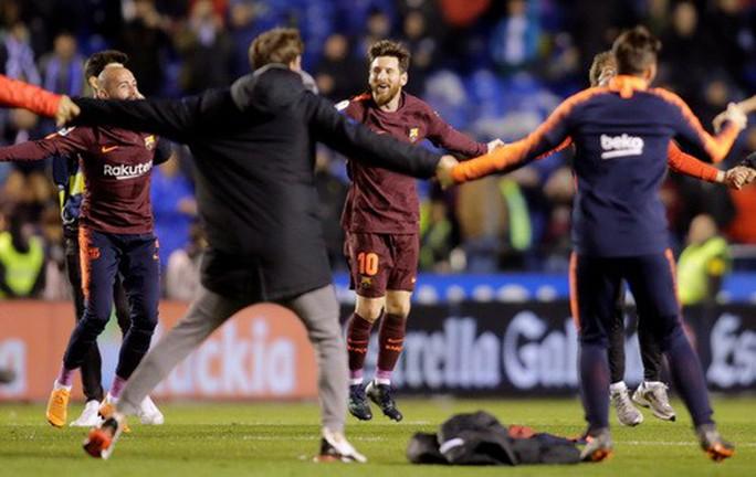 Đại thắng ở Riazor, Barcelona lên ngôi vô địch La Liga - Ảnh 9.