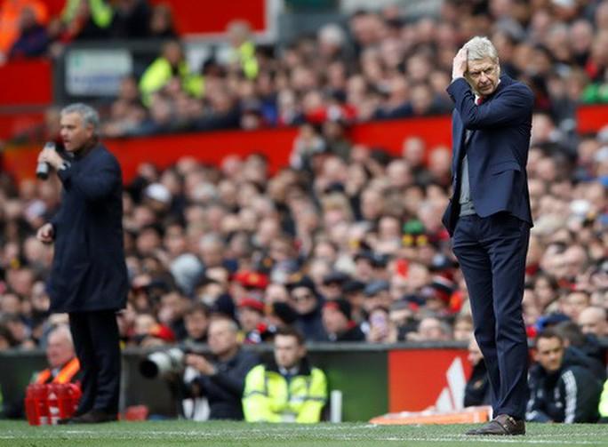 Vì sao Wenger được tri ân ở cuộc đối đầu cuối tại Old Trafford? - Ảnh 7.