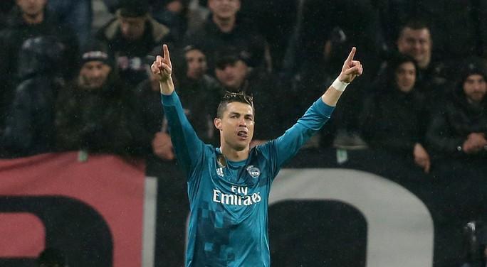 Ronaldo lập siêu phẩm khiến Juventus ôm hận tại Turin - Ảnh 5.