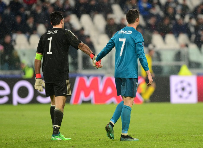 Ronaldo lập siêu phẩm khiến Juventus ôm hận tại Turin - Ảnh 4.