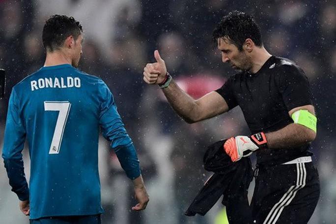 Ronaldo lập siêu phẩm, xô đổ hàng loạt kỷ lục châu Âu - Ảnh 5.