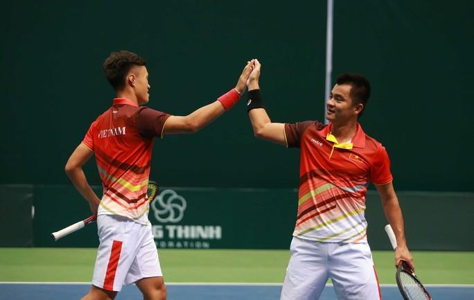 Việt Nam đánh bại Cambodia, giành vé vào vòng 2 Davis Cup 2018 - Ảnh 3.