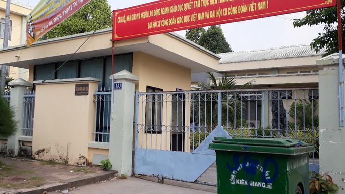 Giám đốc Sở GD-ĐT Kiên Giang bị kỷ luật vì nói xấu người tố cáo - Ảnh 1.