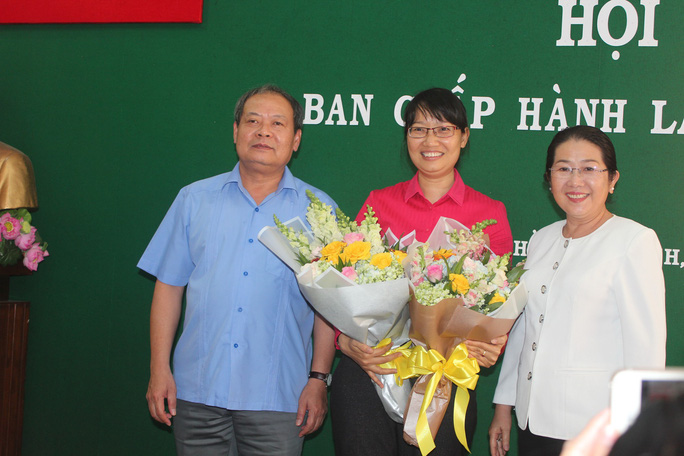 Bà Trần Thị Diệu Thúy được bầu làm Chủ tịch LĐLĐ TP HCM - Ảnh 1.