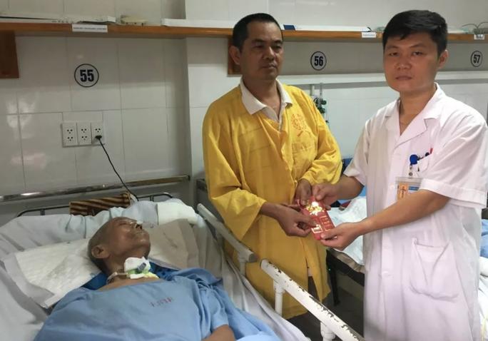 Bất ngờ tìm được người thân bệnh nhân sống thực vật sau 37 năm thất lạc - Ảnh 4.