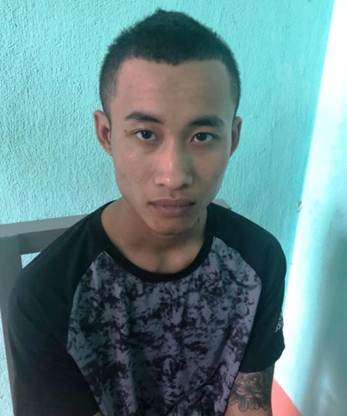 Hỗn chiến ở Sầm Sơn, 1 thanh niên bị đâm tử vong - Ảnh 1.