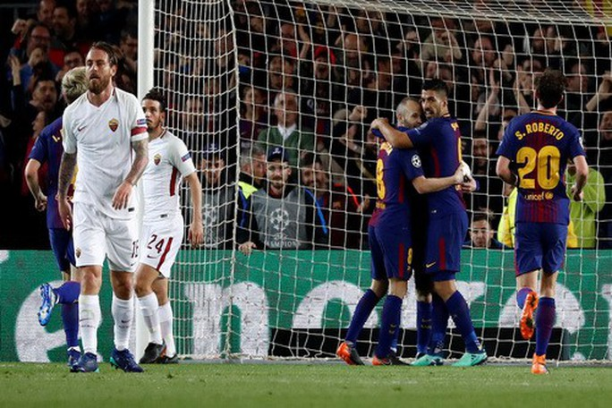 Bi kịch đá phản, AS Roma gục ngã trước Barcelona - Ảnh 2.
