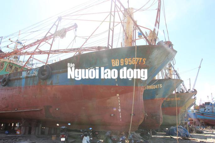 Tàu cá vỏ thép hỏng: Ngư dân chấp nhận thua thiệt - Ảnh 2.